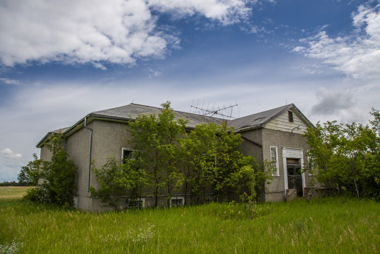 Manitoba Ghost Towns - abandoned school.