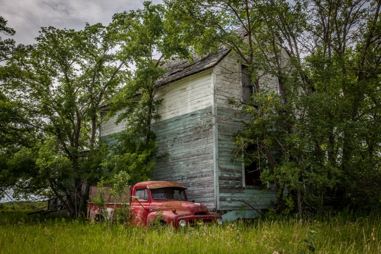 Abandoned farm house - abandoned Manitoba ghost town.