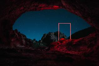 mysterious-red-lights-installations-in-spain-5-900x599