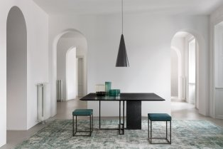 plinto-table-collection-meridiani-italian-furniture-brand_dezeen_2364_col_3