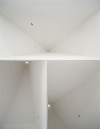 Aires_Mateus_Monolithic_Meeting_Center_08-1-1050x1347