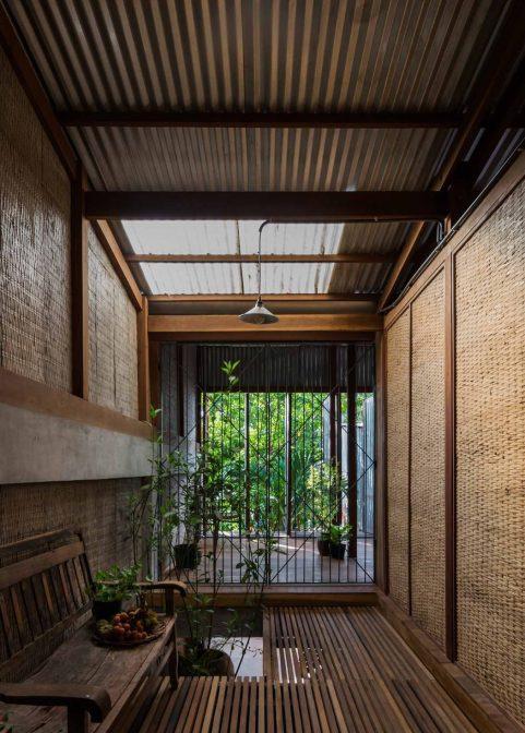 iGNANT_Architecture_House_In_Chau_Doc_NISHIZAWAARCHITECTS_22-1050x1469
