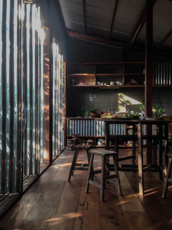 iGNANT_Architecture_House_In_Chau_Doc_NISHIZAWAARCHITECTS_14-1050x1400