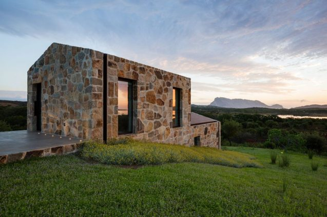 architecture-stazzodaldiahouse-altromodoarchitetcts-02-1440x960