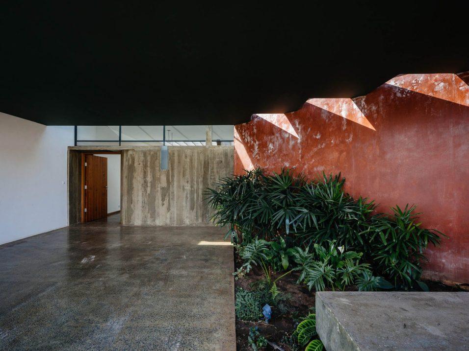 ignant-architecture-ownerless-house-01-vao-p-2880x2160