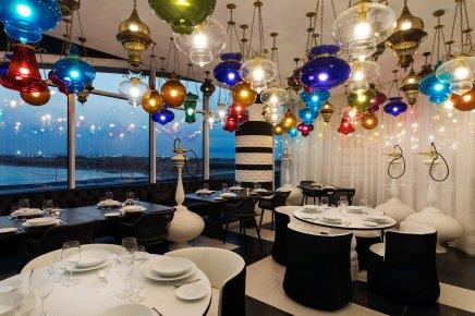 mondrian-marcel-wanders-interiors-hotels-doha-qatar_dezeen_2364_col_16