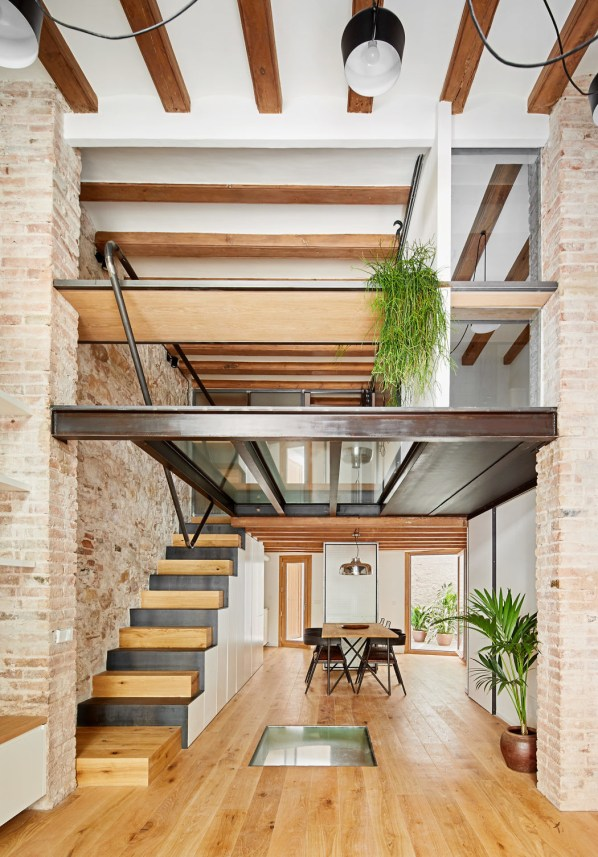 triplex-sant-antoni-more-with-less-valenti-albareda-brick-2