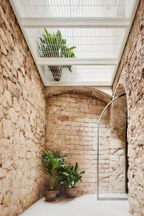 triplex-sant-antoni-more-with-less-valenti-albareda-brick-8