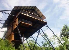 superb-wooden-three-leveled-bungalow-in-sri-lanka-8-900x662