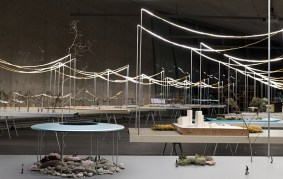 ronan-erwan-bouroullec-vitra-fire-station-reveries-urbaines-exhibition-designboom-014