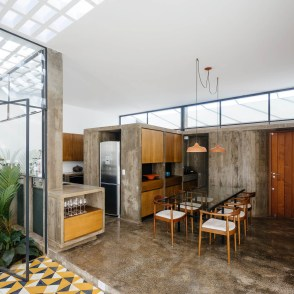 architecture-ownerless-house-01-vao-3