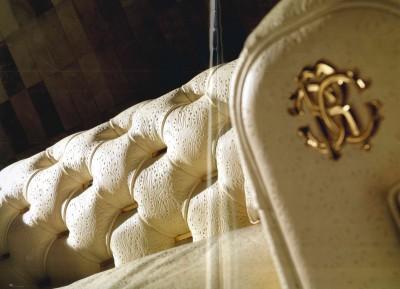 pelle- leather- leather tuscany- pelle texture-materiali-materials- luxury- lusso- arredo-furniture-furnishing- cantu- arredamento-complementi-complementi d'arredo CAVALLI-ROBERTO CAVALLI INTERIORS-WEVUG-GRANDI NOMI PER INTERNI-GLA_007
