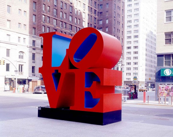 5 Robert Indiana, Robert Clark, Eat Love Die, Wevux, Contemporary (he)art, Giulia Serafin, contemporary art, pop art, sculpture, painting, drawing, poetry, words, icon, New York, Love, red, arte contemporanea, scultura, pittura, disegno, rosso, poesia, icona, parole