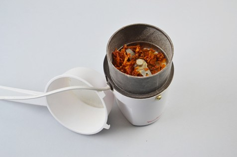 AgriDust-Biodegradable-Material-feel-desain-Marina-Ceccolini-01