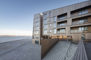 domus-12-waterfront