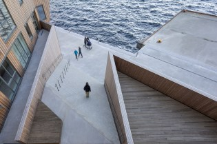 domus-13-waterfront
