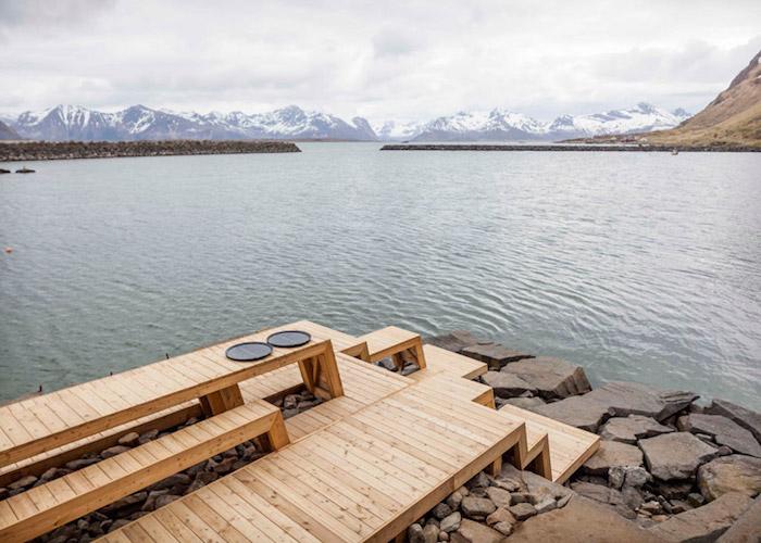 The-Bands-sauna-and-terrace-photo-Jonas-Aarre-Sommarset_dezeen_784_51