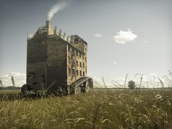 erik-johansson_escapinghouse