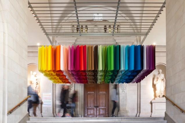 1_emmanuelle_moureaux_100_colors_4