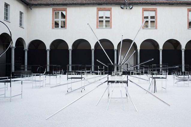 50_manga_chairs_in_Milan_06_takumi_ota