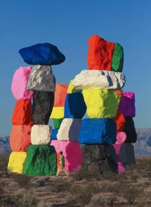 hugecolorblocktotemsinnevadadesert-5-900x1233