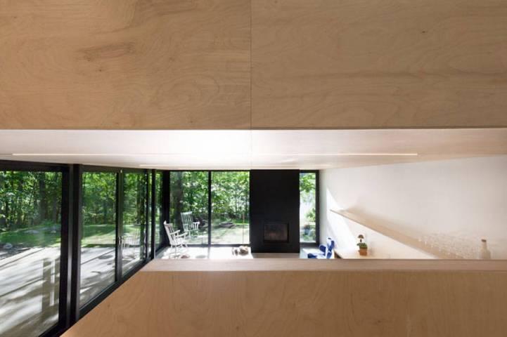 Contemporary-Triangular-Cabin-in-Canada10-900x600