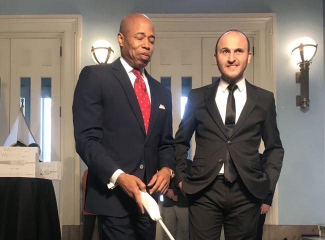 Türk İcadı Akıllı Baston New York'ta Görücüye Çıktı