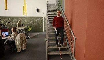 Good Things Guy – Innovative blind man creates a smart cane that can access maps to identify surroundings