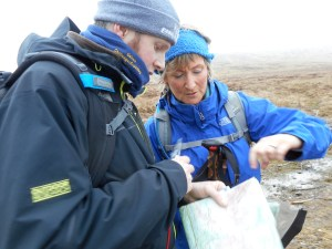 Rory and Pauline agreeing on route plan.
