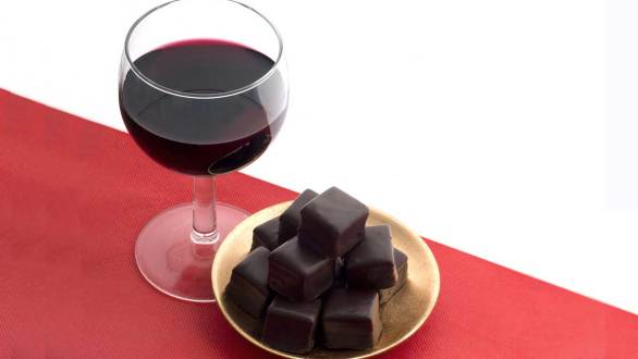 Myth or fact? Wine, chocolate good for heart health | Ohio State Medical Center