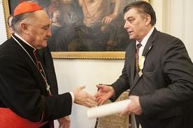 Marian P. Romaniuk został odznaczony medalem Benemerenti