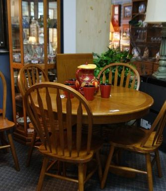 8 Piece Table and Chair Set