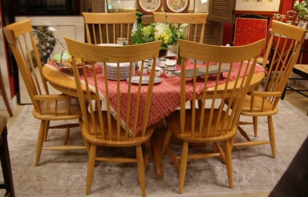 Canadian Table And Chairs Set