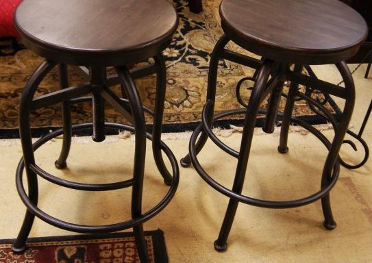 Lazy Boy Adjustable Bar Stool Set