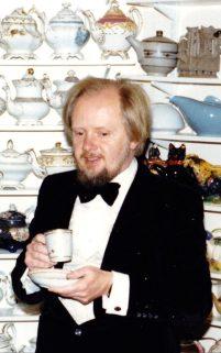 109201238_philip_miller-teapots-news-xlarge_transxskzzglxo96pjbyqajb-ehvjb3v8-haths4ttgmcxsu