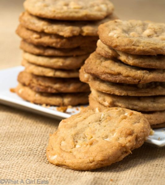 White chocolate macadamia cookies are soft yet crispy cookies, rich and buttery, with toasted coconut throughout. The perfect companion for a cup of coffee or tea!