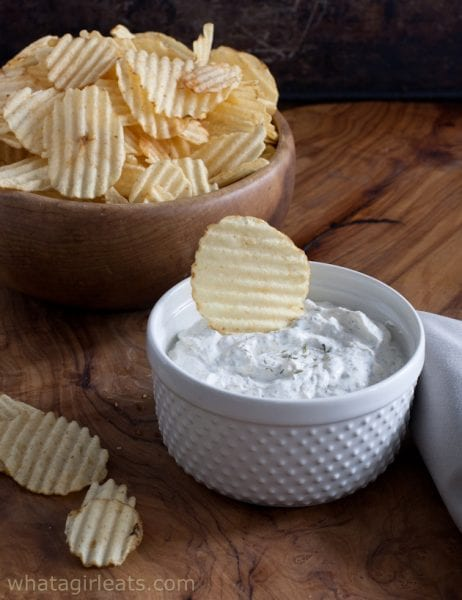 french onion dip with chip