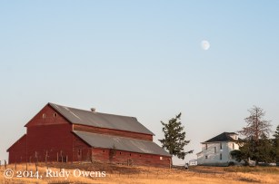 Coming southeast from Coulee Dam on Highway 174, this large barn and old farmhouse sit on a prominent point overlooking the Columbia River valley. This was one of those perfect photographic moments.