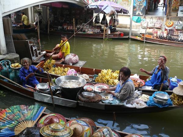 FloatingMarketTwo