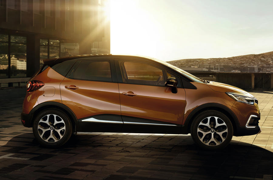 renault announces pricing and specifications for connected and distinctive new captur 09h00 020517 2