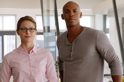 SUPERGIRL, airing Mondays 8:00-9:00 PM, ET/PT starting in November, is CBS's new action-adventure drama based on the DC COMICS' character Kara Zor-El (Melissa Benoist), Superman's cousin who, after 12 years of keeping her powers a secret on Earth, decides to finally embrace her superhuman abilities and be the hero she was always meant to be. Kara lives in National City assisting media mogul and fierce taskmaster Cat Grant, who just hired the Daily Planet's former photographer, James Olsen (Mehcad Brooks), as her new art director. However, Kara's days of keeping her talents a secret are over when the head of a super-secret agency where her foster sister also works, enlists her to help them protect the citizens of National City from sinister threats. Framegrab: © 2014 WBEI. All rights reserved.