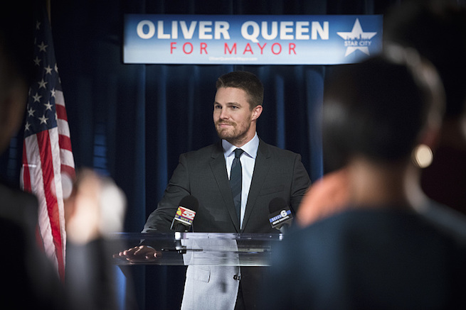 "Arrow -- ""Beyond Redemption"" -- Image AR405A_0180b.jpg -- Pictured: Stephen Amell as Oliver Queen -- Photo: Diyah Pera/ The CW -- © 2015 The CW Network, LLC. All Rights Reserved"