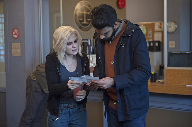 "iZombie -- ""The Hurt Stalker"" -- Image Number: ZMB208b_0238.jpg -- Pictured (L-R): Rose McIver as Liv and Rahul Kohli as Ravi -- Photo: Diyah Pera/The CW -- © 2015 The CW Network, LLC. All rights reserved."
