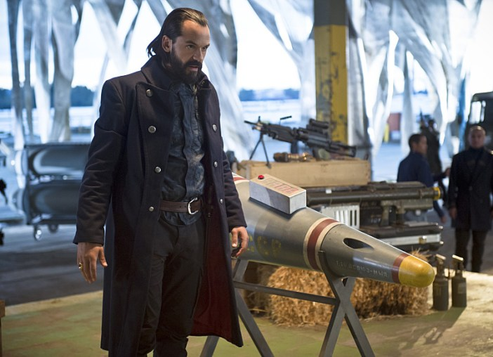 "DC's Legends of Tomorrow -- ""Pilot, Part 2"" -- Image LGN102_20150917_0413b.jpg -- Pictured: Casper Crump as Vandal Savage -- Photo: Diyah Perah/The CW -- © 2015 The CW Network, LLC. All Rights Reserved."