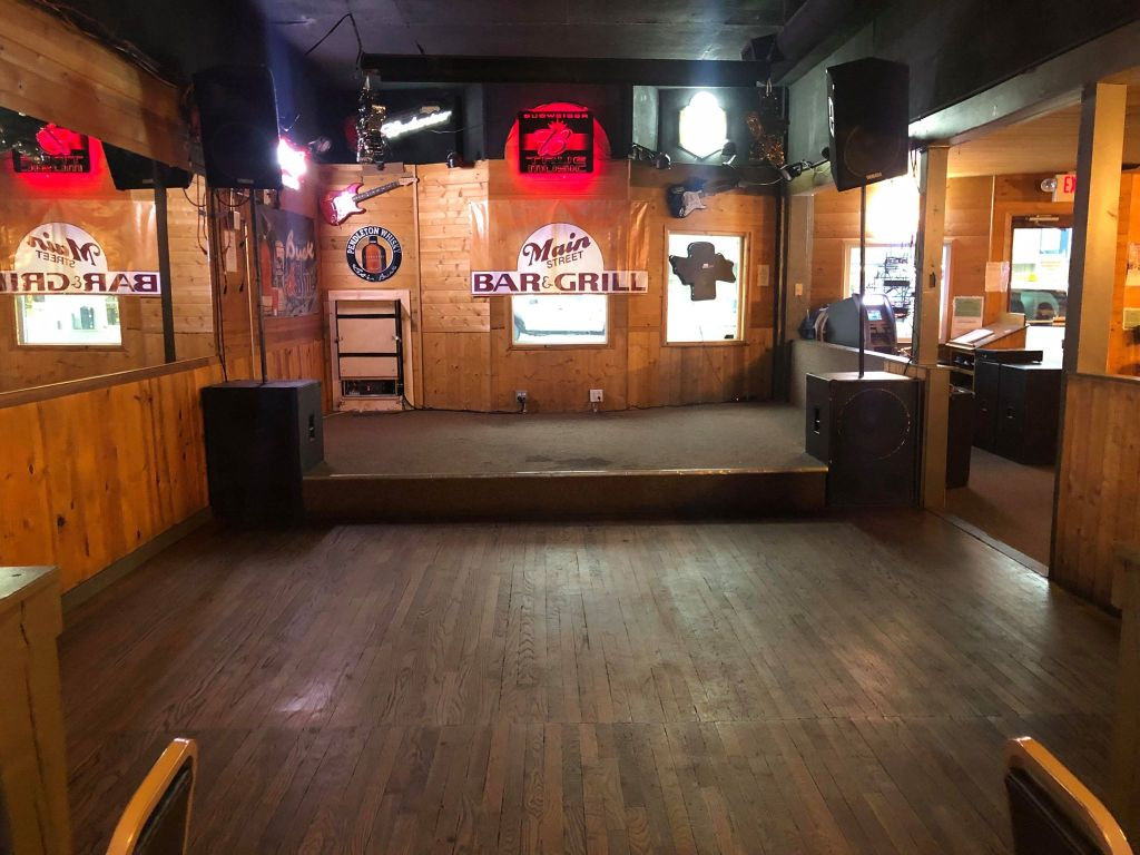 Empty stage at the Main Street Bar & Grill (January 22, 2019). Photo courtesy of John Wirts