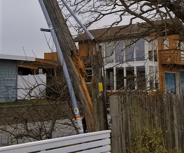 broken telephone pole on sucia dr from winds 2019-02-09 photo sandy pt watch (2)
