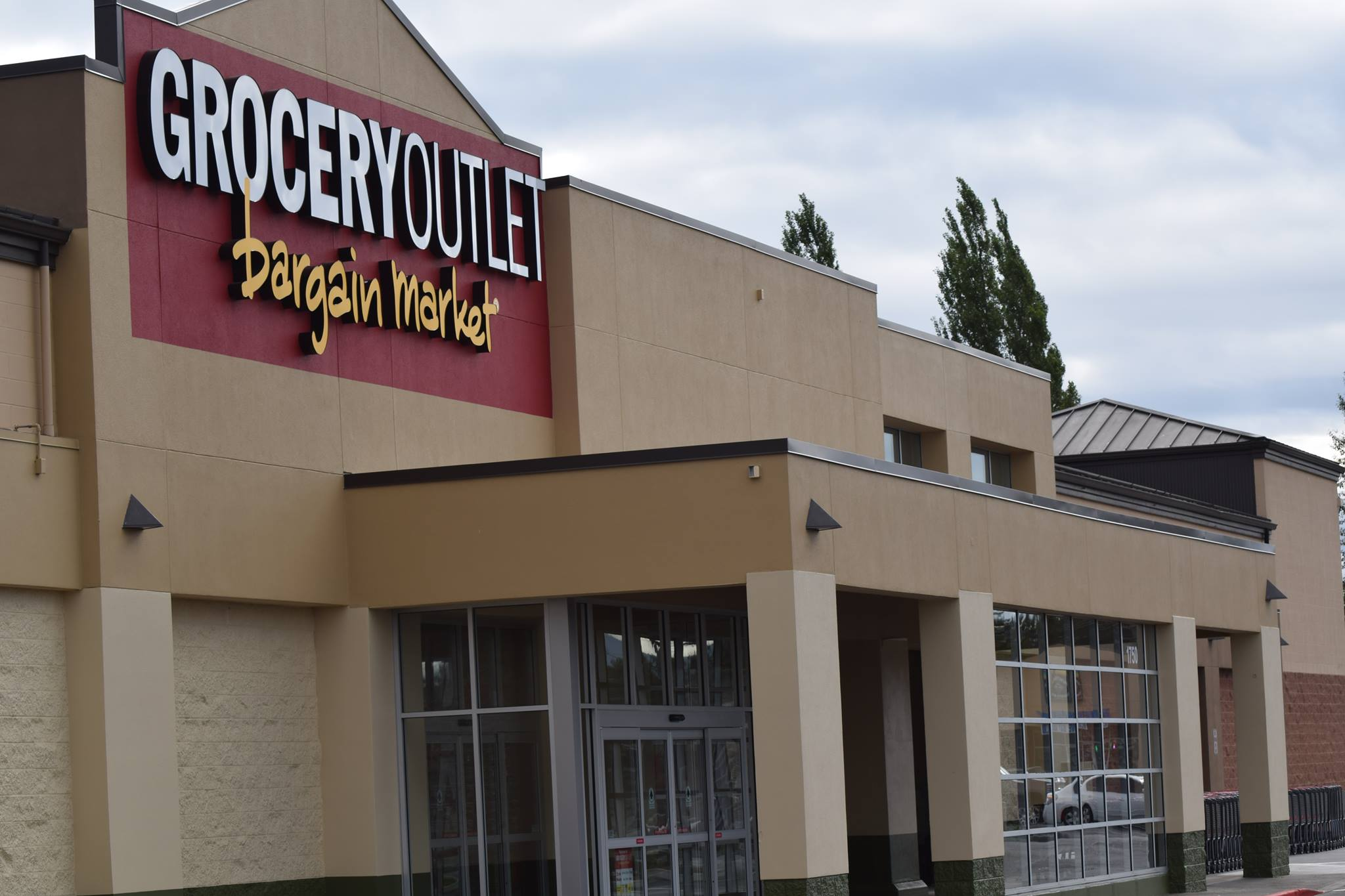 Ferndale Grocery Outlet exterior (July, 22, 2019). Photo courtesy of Ferndale Grocery Outlet
