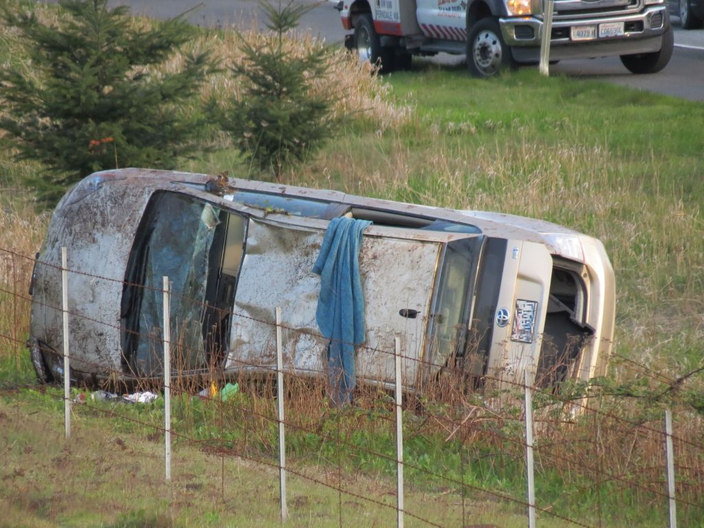 Scene of single-vehicle rollover crash on I-5 south of W Smith Road overpass (April 21, 2019). Photo: My Ferndale News