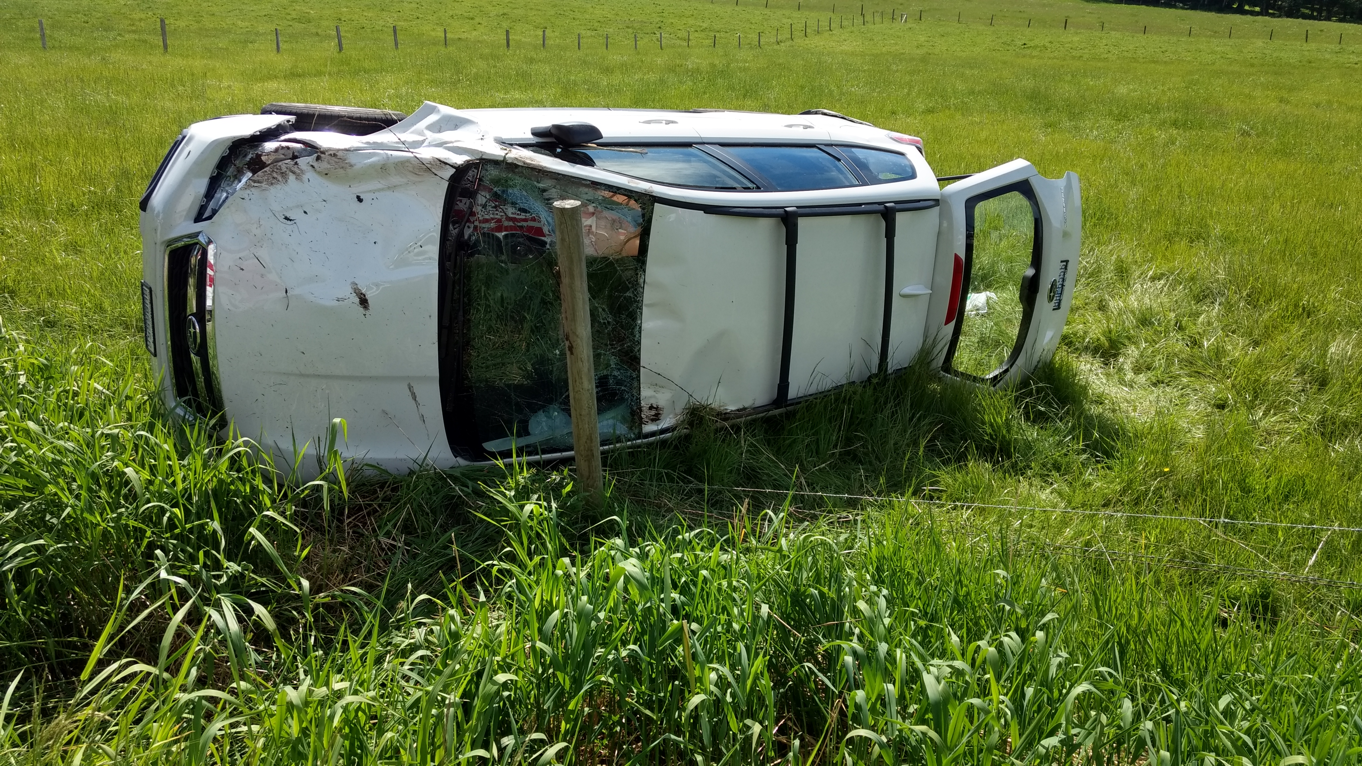 Scene of a 1-car rollover crash on Mountain View Road (May 11, 2019). Photo: My Ferndale News