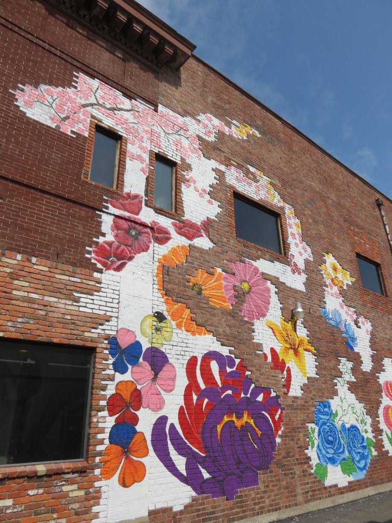 2-story wall mural installed on the east wall of 2038 Main Street by artist Todd Bruce (July 30, 2019). Photo: My Ferndale News